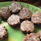 Tasty Things – Nut, Coconut & Cacao Bites